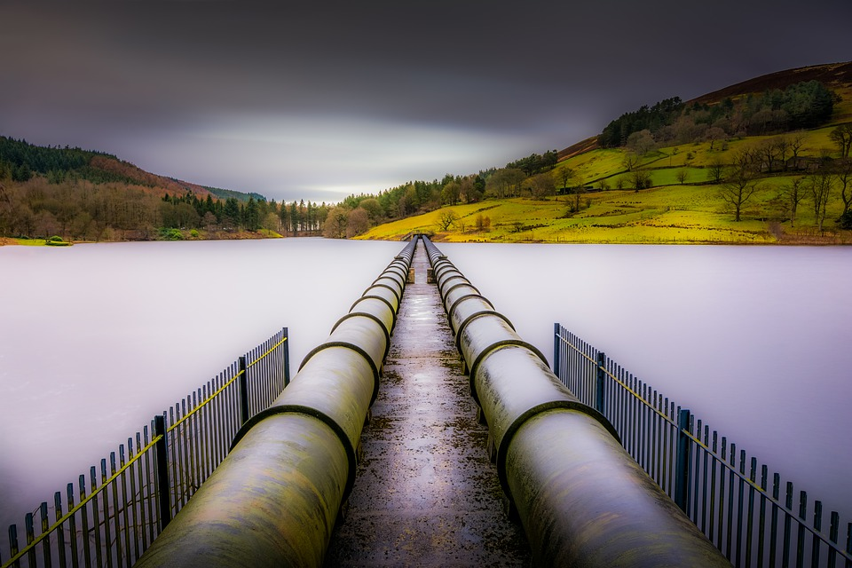 ladybower-reservoir-3130007_960_720.jpg